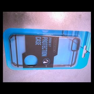 NWT iPhone 6/7 case
